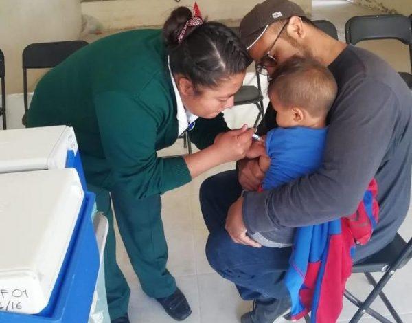 Realizan campaña de vacunación contra la influenza en Xoxocotlán