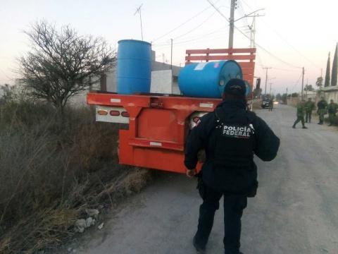 Localizan dos tomas clandestinas y aseguran huachicol en Tamaulipas