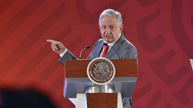López Obrador critica a PRI y PAN por oponerse a Guardia Nacional