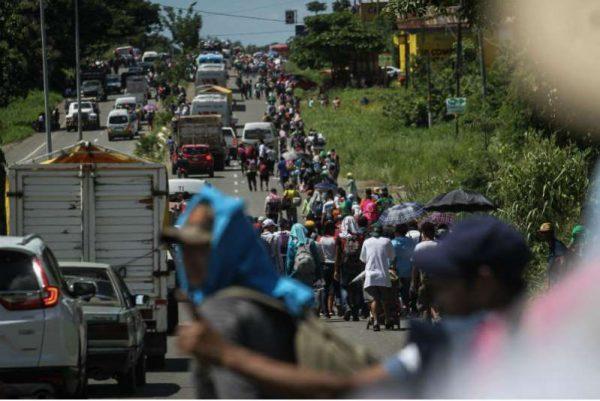 Nueva Caravana agrede a personal de migración, ingresa ilegalmente a Chiapas