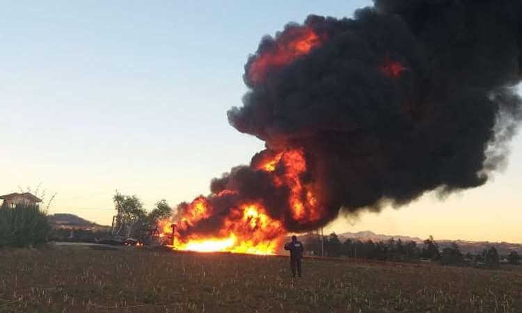 Registran incendio en ducto de Huauchinango, Puebla