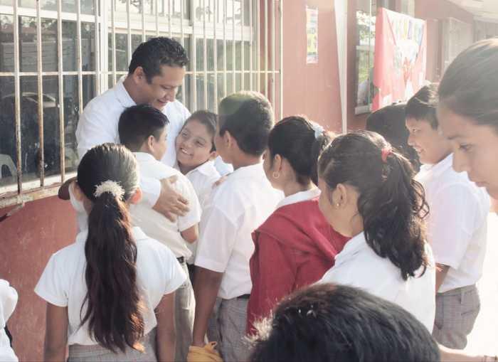 Valores, educación y respeto es el mejor aprendizaje para los estudiantes: Martín García