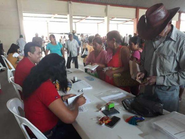 Adultos mayores de Chiltepec beneficiarios con la doble pensión
