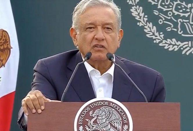 López Obrador presenta en Tlatelolco el programa Jóvenes Escribiendo el Futuro