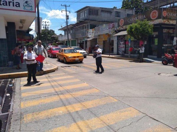 Sin apoyos del Gobierno Municipal, continúa Cruz Ámbar prestando servicio vial