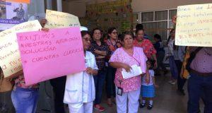 Trabajadores del hospital Presidente Juárez, respaldan a eventuales que no reciben quincenas desde agosto