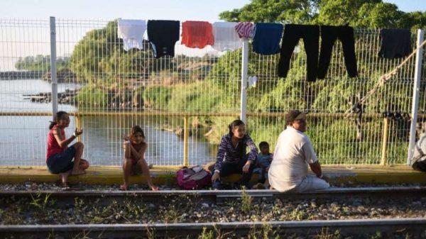 La bomba de tiempo que acecha a AMLO en la frontera sur de México
