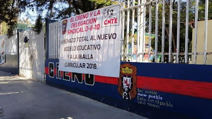 normalistas exigen plazas (2)