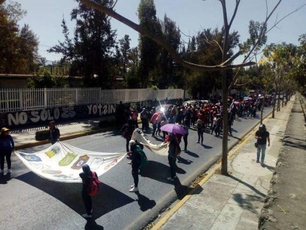 Jóvenes normalistas inician movilizaciones en el estado para exigir plazas de docente