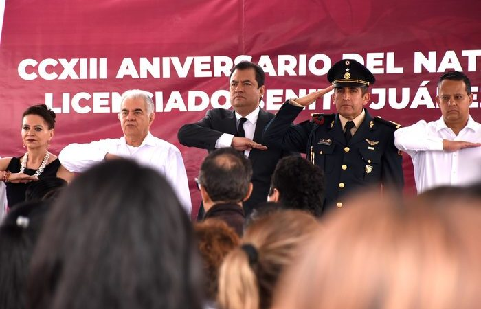 Honra Oswaldo García Jarquín legado de Benito Juárez