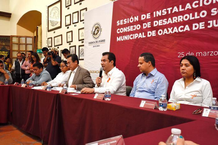 Preside Oswaldo García sesión de instalación del Consejo de Desarrollo Social Municipal