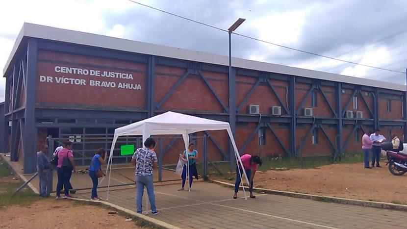 Por segundo día consecutivo, continúan tomadas oficinas de juzgados en Tuxtepec