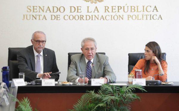 Investigan red de corrupción en Cofepris por regulación de medicamentos