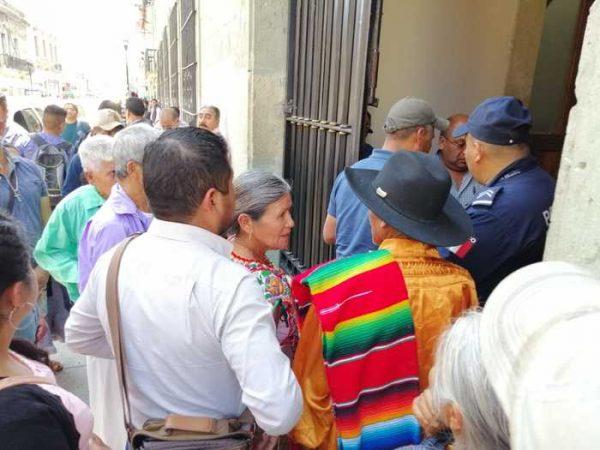 Presidente municipal se deslinda del bloqueo que mantiene Yaitepec hacía Juquila