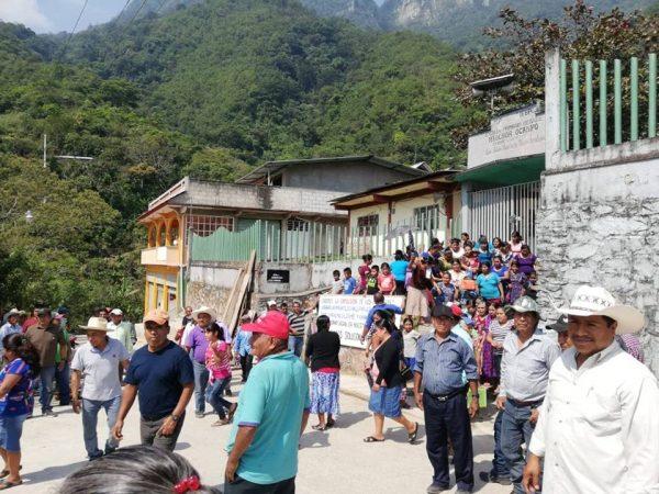 Temen que en Tlacoatzintepec se derrame sangre, por conflicto social