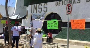 Trabajadores piden auditoría al IMSS en Oaxaca