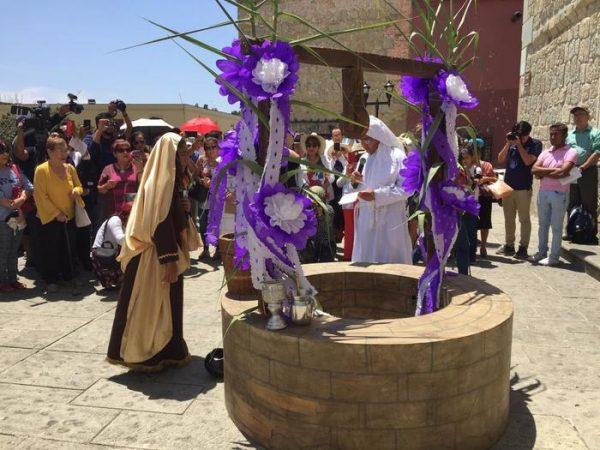 Arzobispo de Oaxaca bendice las aguas por el día de la Samaritana