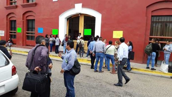 Sindicalizados del Tribunal Superior de Justicia, toman Juzgados Familiares y Civiles en Oaxaca