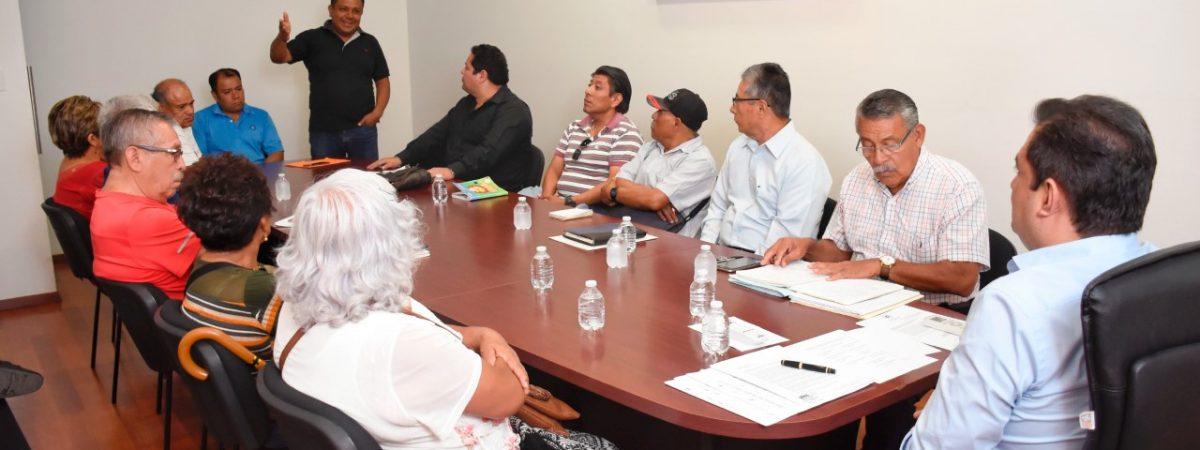 Brinda edil Oswaldo García Jarquín atención a 10 comités de vida vecinal