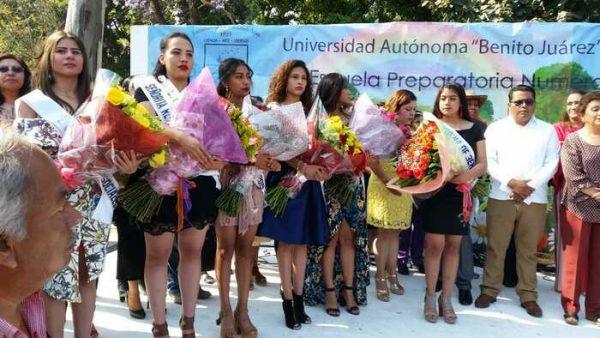 96 madrinas participaron en el segundo paseo floral de los viernes del llano