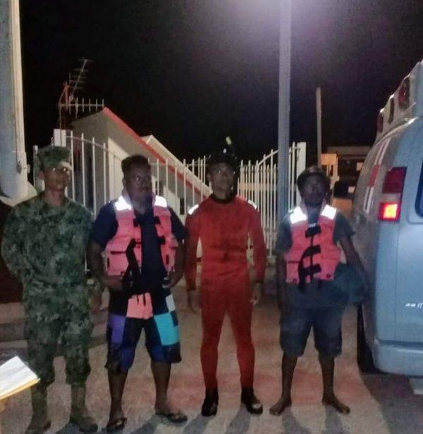 Rescata Semar y CEPCO de Huatulco a pescadores