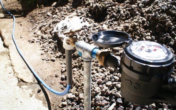 """Autoridades """"peinan"""" colonias para evitar tomas clandestinas de agua potable"""