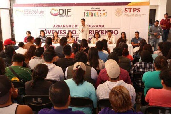 Arranca programa de becas a jóvenes en Santa Cruz Xoxocotlán