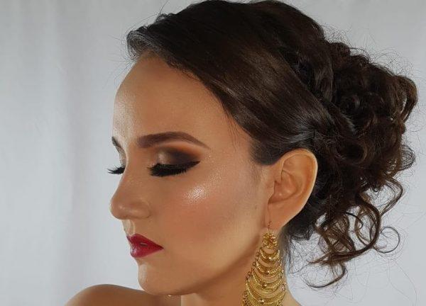 Julia Toledo quiere ser la primera oaxaqueña en coronarse como Miss Earth México 2019