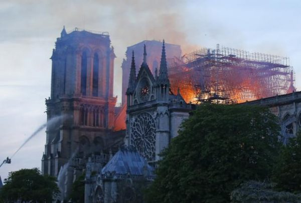 """""""Nunca veré Notre Dame"""" Galería de Fotos"""