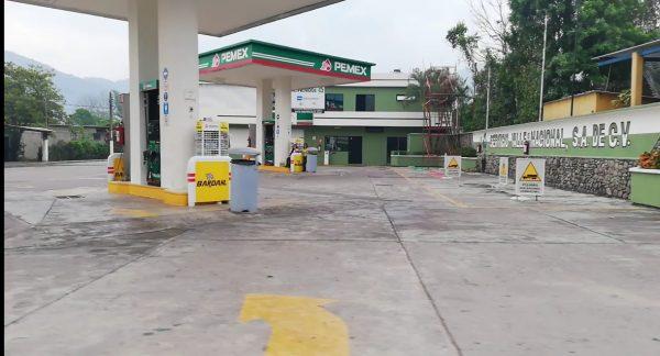 Pega el bloqueo en Jacatepec, se queda Valle Nacional y Chiltepec sin gasolina