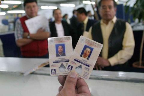 Ya se podrá renovar licencia y tarjeta de circulación por Internet