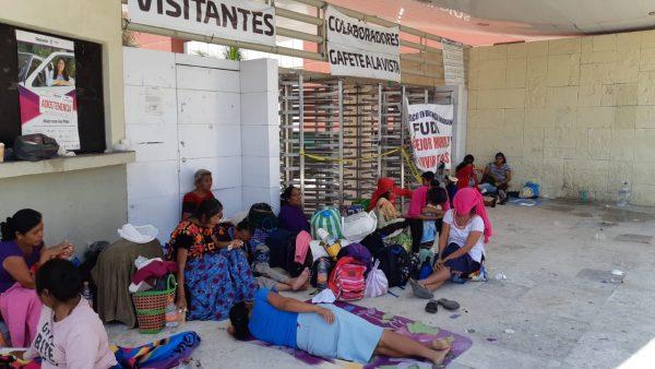Plantón continuará en Ciudad Administrativa advierte el FUDI