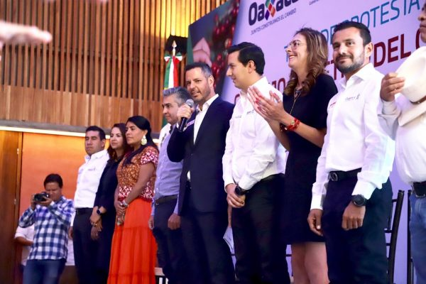 Impulsa Alejandro Murat cadena productiva del café