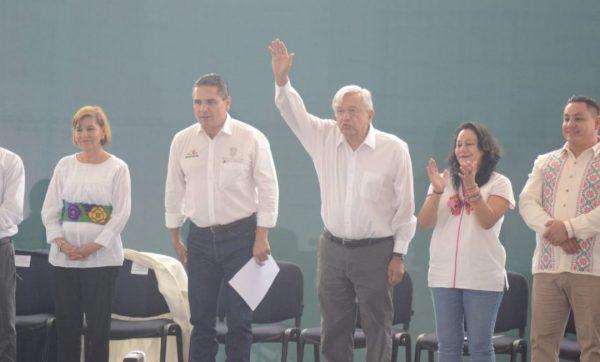 No habrá incrementos a las gasolinas; Pemex fijará tarifa única: AMLO