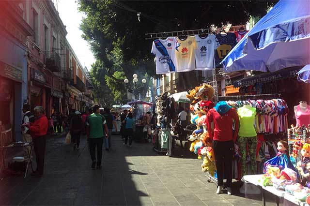 Sin tregua, vendedores ambulantes en Oaxaca
