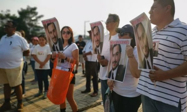 Con marcha, habitantes de Minatitlán exigen justicia tras masacre en fiesta