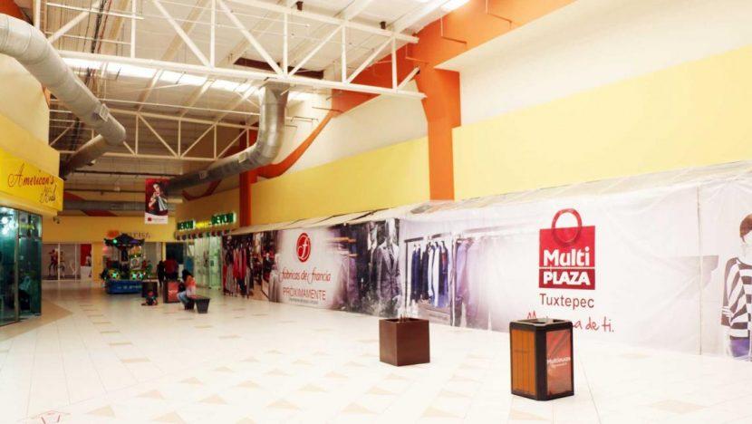 Recesión económica en Tuxtepec logra cierre de 2 establecimientos más en la multiplaza