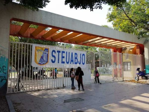 25 mil alumnos sin clases en la UABJO por paro