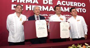 Estrecha Oaxaca de Juárez lazos de hermandad con Xalapa, Puebla y municipios de la Mixteca y Costa