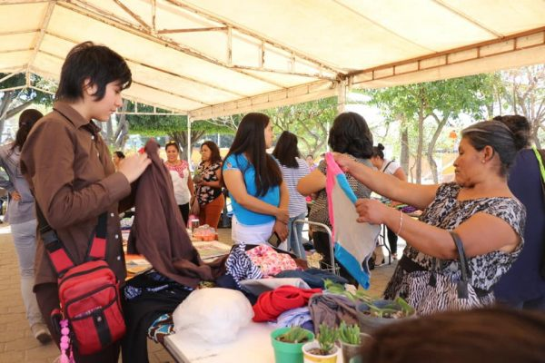 Gobierno de Xoxocotlán continúa promoviendo práctica del trueque entre la población