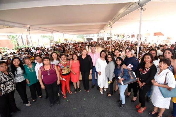 Reconoce Oswaldo García invaluable labor de madres trabajadoras del Ayuntamiento