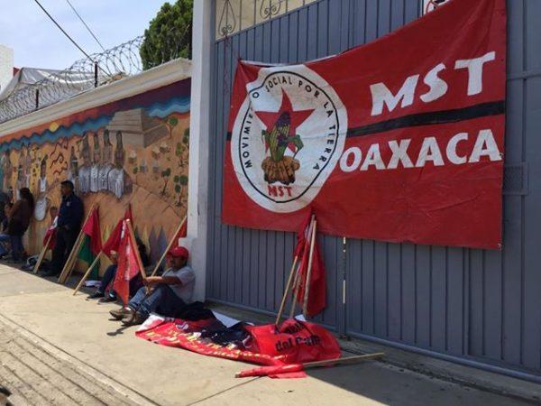 Integrantes del MST bloquearon oficinas del INPI, ciudadanos se ven afectados con trámites