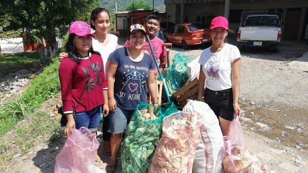 """En valle jóvenes activistas crean """"Regalemos vida a la vida"""" enfocado a la limpieza del río"""