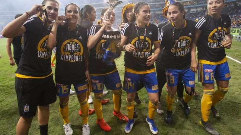 Jugadoras de Tigres le dedican el título a Batocletti