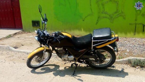 Recupera Policía Estatal motocicleta en aparente estado de abandono