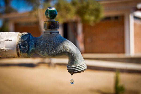 Sufren 3 colonias de Tuxtepec por falta de agua