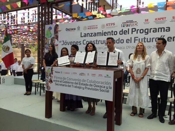 """Lanzan programa """"Jóvenes Construyendo el Futuro"""" en Oaxaca"""