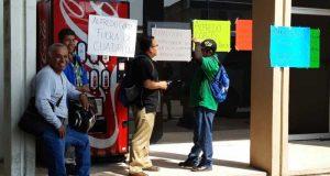Se manifiestan sindicalizados del 3 de marzo, en el municipio de Oaxaca