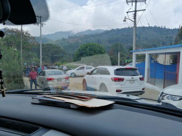 Retienen pobladores de Yaitepec a funcionarios de gobierno tras la visita de Murat