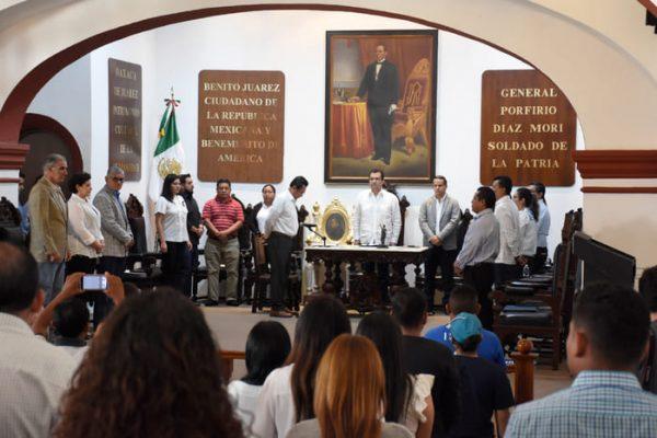 Van concejales de Oaxaca de Juárez por regulación de contaminación visual y auditiva